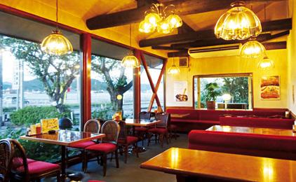 カフェレストラン くりやホールスタッフ〔接客・ドリンク作りなど〕画像