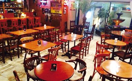 BOSTON CAFE(ボストン カフェ)ホールスタッフ〔バーでのお仕事〕画像