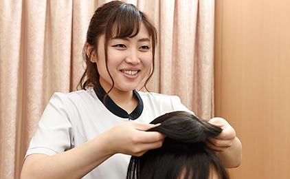 株式会社アデランスヘアスタイリスト〔美容師・理容師〕画像
