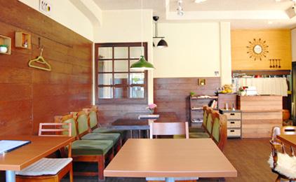 レストラン 三日月キッチン店内スタッフ〔接客・調理補助など〕画像