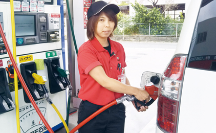 内海株式会社ガソリンスタンドの給油専門スタッフ〔土日祝休み〕画像