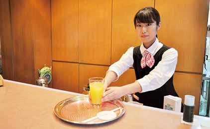 岡山ロイヤルホテル株式会社ティーラウンジスタッフ〔ダブルワーク歓迎〕画像