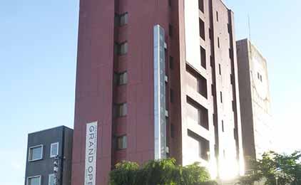 株式会社岡山スクエアホテルフロントスタッフ画像