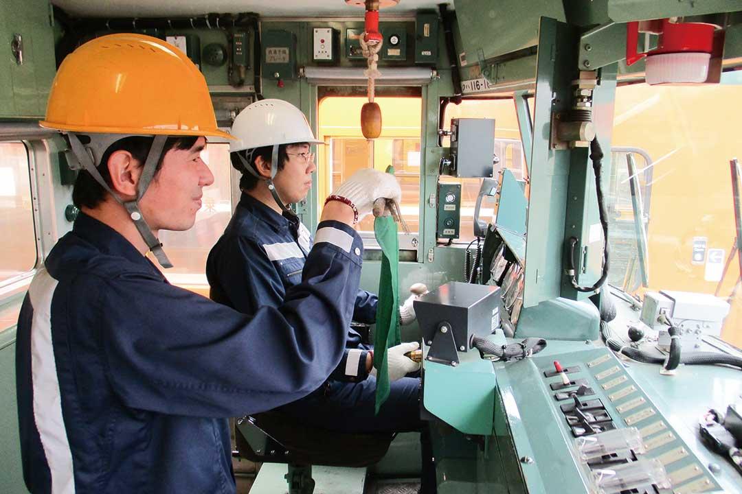 株式会社JR西日本岡山メンテック車両基地内の電車の構内運転士〔JRグループ〕画像